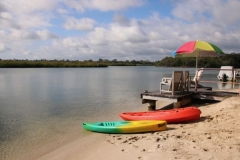 Kayaks-and-Jetty-at-The-Loft-Noosa-Sound
