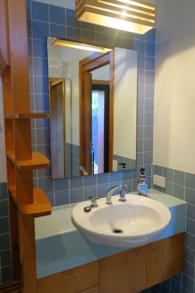 Bathroom-at-The-Loft-Noosa-Sound