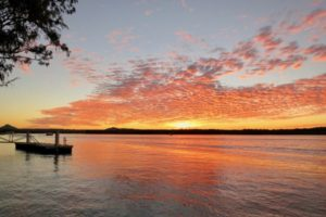 sunset-looking-across-the-noosa-river
